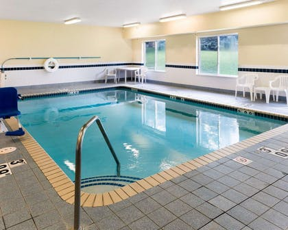 Indoor pool with hot tub | Quality Inn