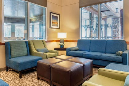 Hotel lobby | Comfort Suites Canal Park