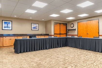Meeting room | Comfort Suites Canal Park
