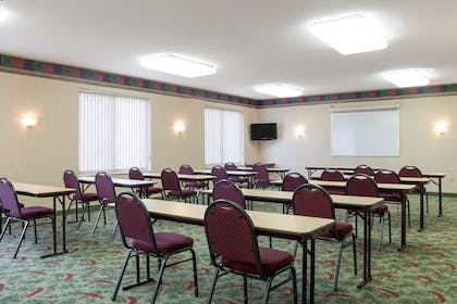 Large space perfect for corporate functions or training | Comfort Suites Rapid River Lodge