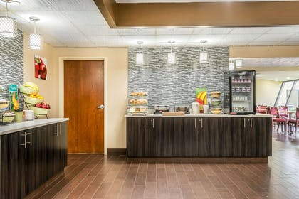 Free breakfast | Quality Inn & Suites Mall of America - MSP Airport