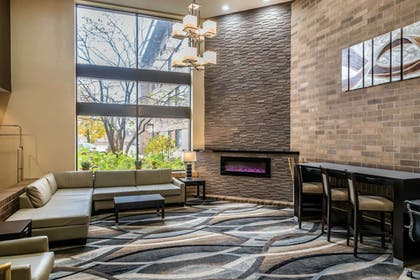 Hotel lobby | Quality Inn & Suites Mall of America - MSP Airport