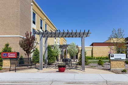 Hotel exterior | Comfort Suites and Conference Center