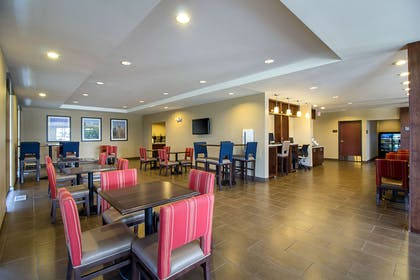 Breakfast seating | Comfort Suites and Conference Center