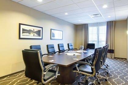 Meeting room | Comfort Suites and Conference Center