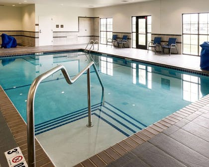 Indoor pool | Comfort Inn & Suites West - Medical Center