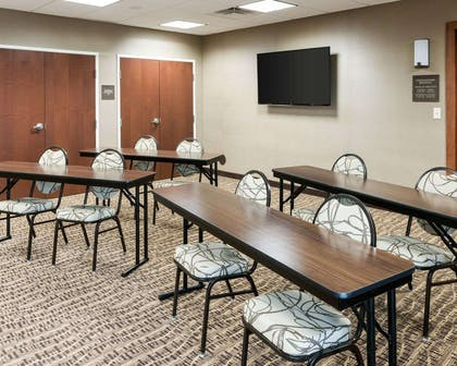 Meeting room | Comfort Inn & Suites West - Medical Center