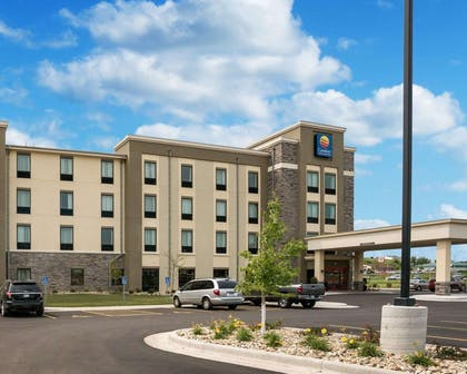 Hotel exterior | Comfort Inn & Suites West - Medical Center