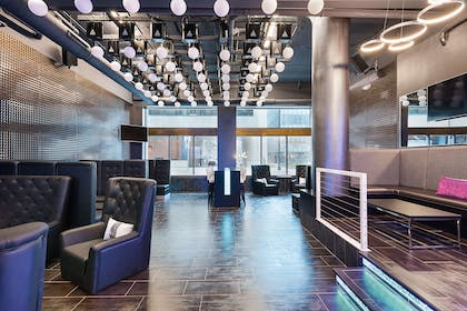 Hotel lounge | luMINN Hotel Minneapolis, An Ascend Hotel Collection Member