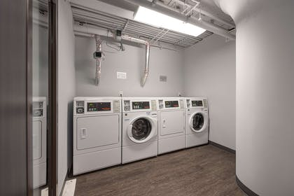 Guest laundry facilities | luMINN Hotel Minneapolis, An Ascend Hotel Collection Member