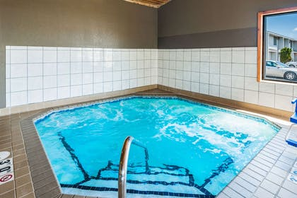 Indoor hot tub | Econo Lodge Near Miller Hill Mall