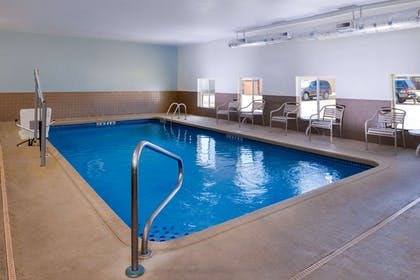Indoor pool with hot tub | Comfort Inn & Suites