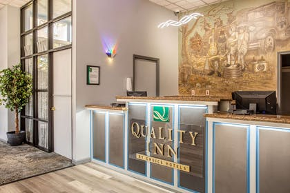 Front desk | Quality Inn On the Strip