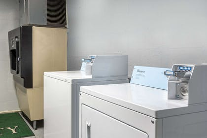 Guest laundry facilities | Quality Inn On the Strip