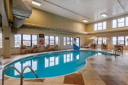 Indoor pool with hot tub | Comfort Inn & Suites Springfield I-44