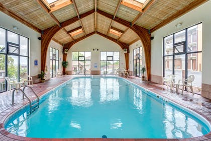 Indoor pool | Quality Inn West