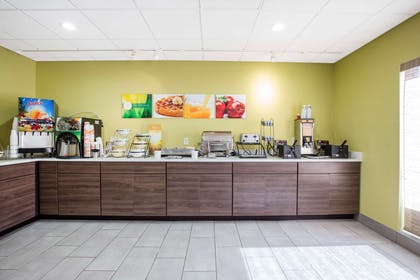 Breakfast counter | Quality Inn & Suites Arnold - St Louis