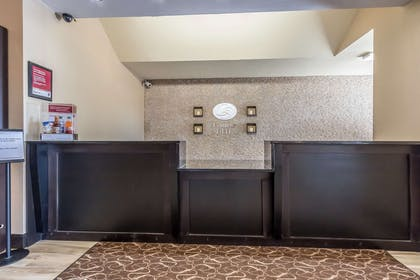 Hotel lobby | Comfort Suites St Charles-St Louis