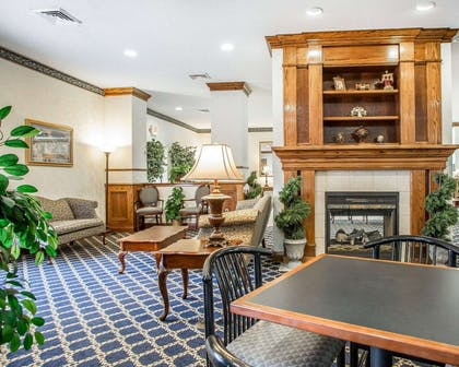 Lobby with fireplace | Comfort Suites Jefferson City