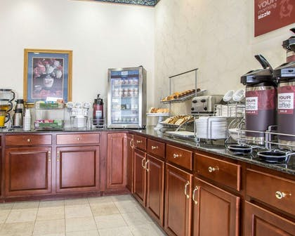 Free hot breakfast | Comfort Suites Jefferson City