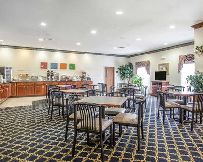 Spacious breakfast area | Comfort Suites Jefferson City