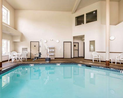 Indoor pool | Comfort Inn & Suites Kansas City Downtown
