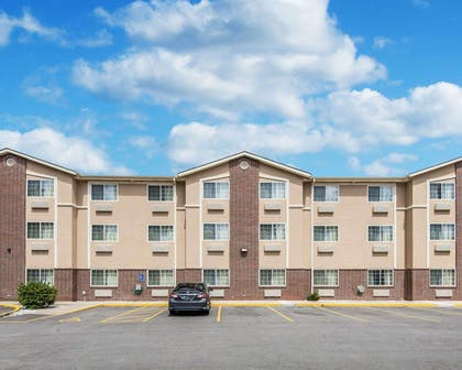 Hotel near area college | Comfort Inn & Suites Kansas City Downtown