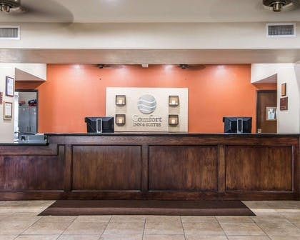 Front desk with friendly staff | Comfort Inn & Suites Kansas City Downtown