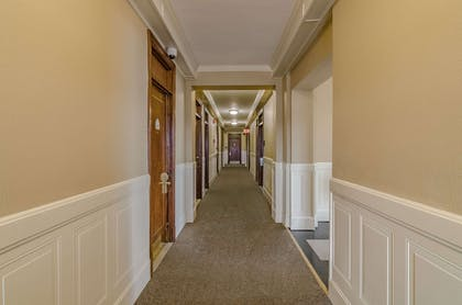 Hotel hallway | Hotel Bothwell Sedalia Central District, Ascend Hotel Collection