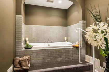 Hotel spa   Hotel Bothwell Sedalia Central District, Ascend Hotel Collection