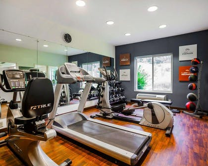 Fitness center with free weights   Comfort Suites Independence - Kansas City