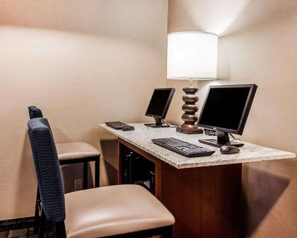 Business center with high-speed Internet access | Comfort Suites Independence - Kansas City