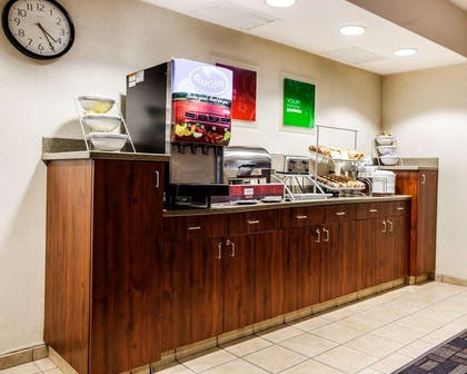 Hot and cold breakfast buffet | Comfort Suites Independence - Kansas City