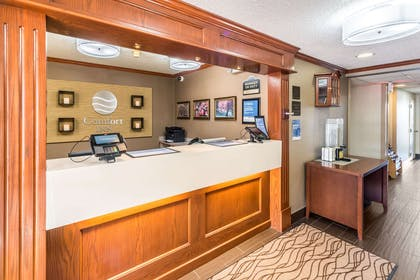 Front desk with friendly staff | Comfort Inn Festus-St Louis South