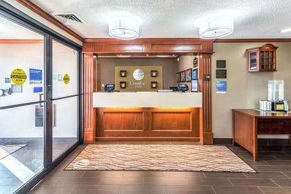 Hotel lobby | Comfort Inn Festus-St Louis South