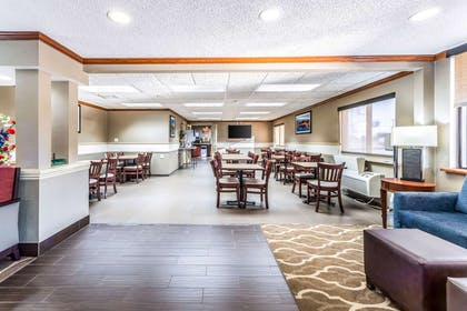 Spacious breakfast area | Comfort Inn Festus-St Louis South
