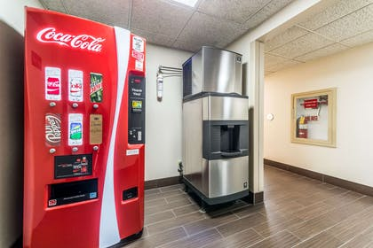 Hotel vending area | Comfort Inn Festus-St Louis South