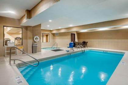 Indoor pool | Quality Inn & Suites Jefferson City