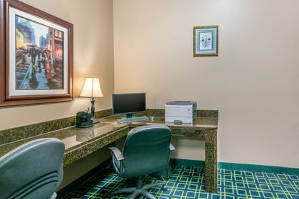 Business center | Quality Inn & Suites Jefferson City