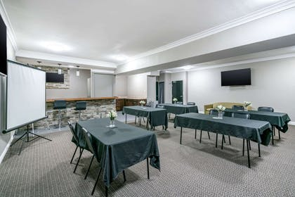 Meeting room | Quality Inn & Suites Jefferson City