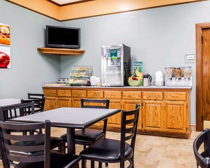 Assorted breakfast items | Quality Inn & Suites Kansas City Airport North