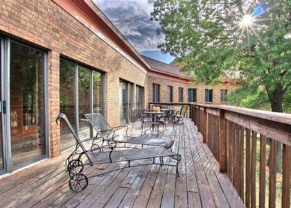 Relax on the sundeck | Quality Inn & Suites Kansas City Airport North