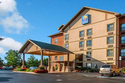 Hotel near popular attractions | Comfort Inn & Suites Branson Meadows
