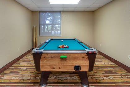 Game room | Comfort Inn & Suites Branson Meadows