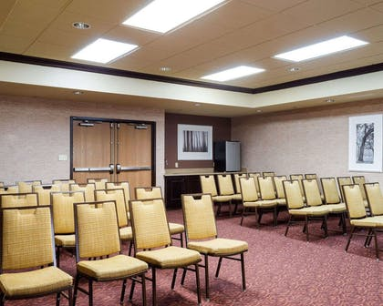Meeting room | Comfort Suites Starkville
