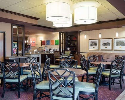 Breakfast area | Comfort Suites Starkville
