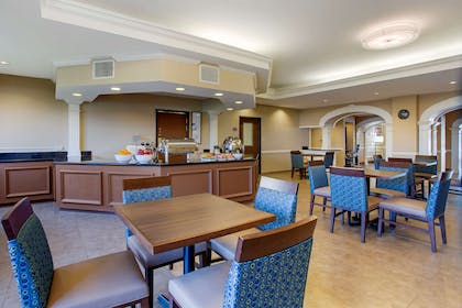 Breakfast area | Comfort Suites Southaven I-55