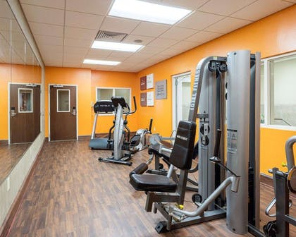 Fitness center | Comfort Suites Olive Branch West
