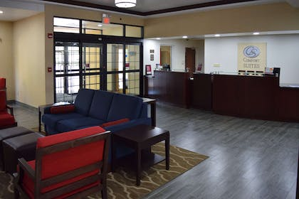 Hotel lobby | Comfort Suites Olive Branch West