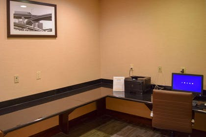 Business center | Comfort Suites Olive Branch West